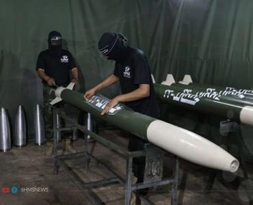 الأجواء الرمضانية داخل احدى ورش التصنيع التابعة لألوية الناصر صلاح الدين الذراع العسكري للجان المقاومة في فلسطين